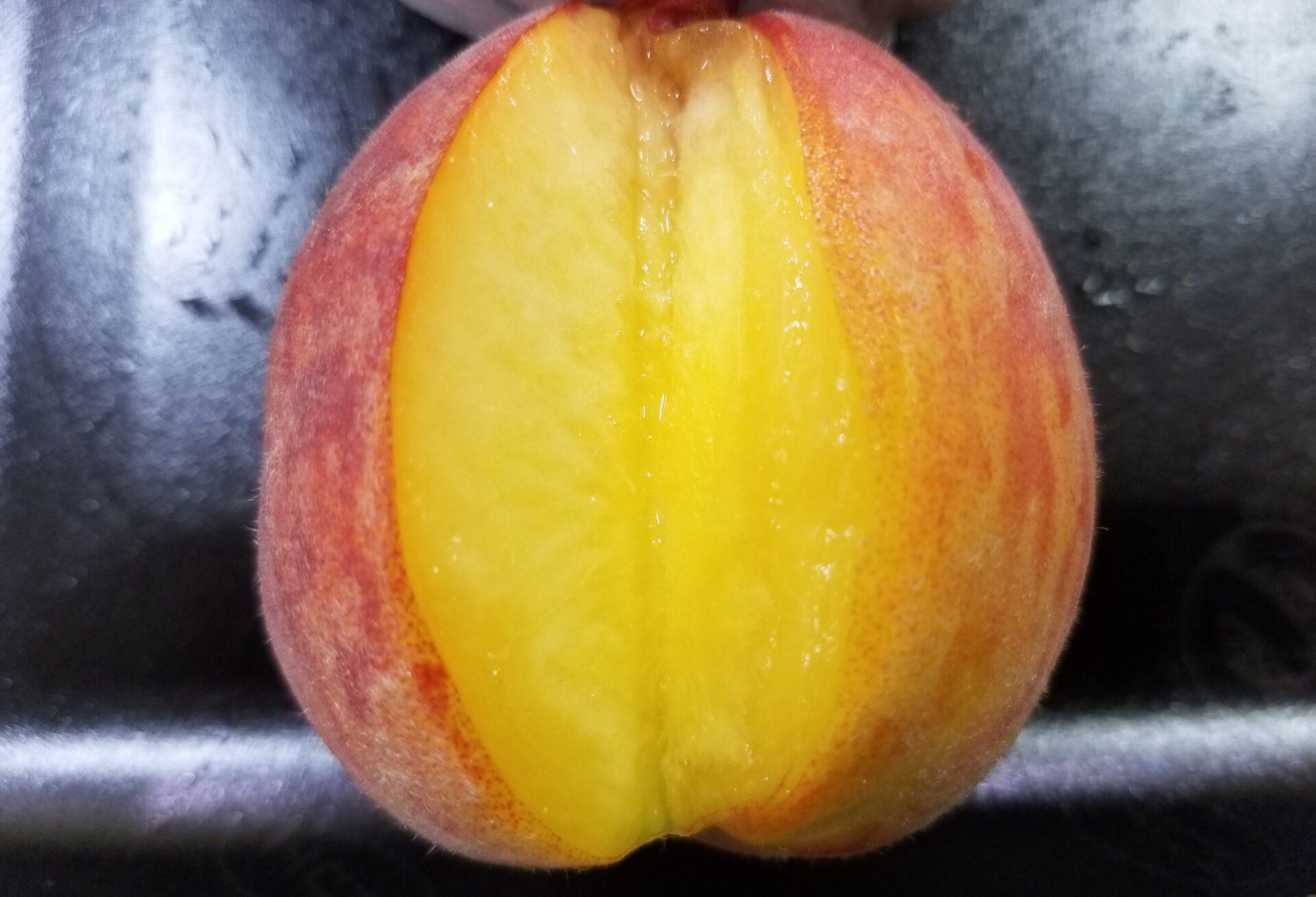 ひめこなつ桃の特徴/独特の黄色い果肉が特徴的【実食レビューあり】